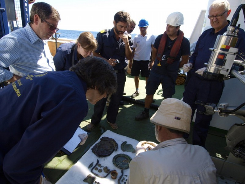 <span style='color:#780948'>ARCHIVED</span> -  Second campaign yields 34 objects from the sunken frigate Nuestra Señora de las Mercedes