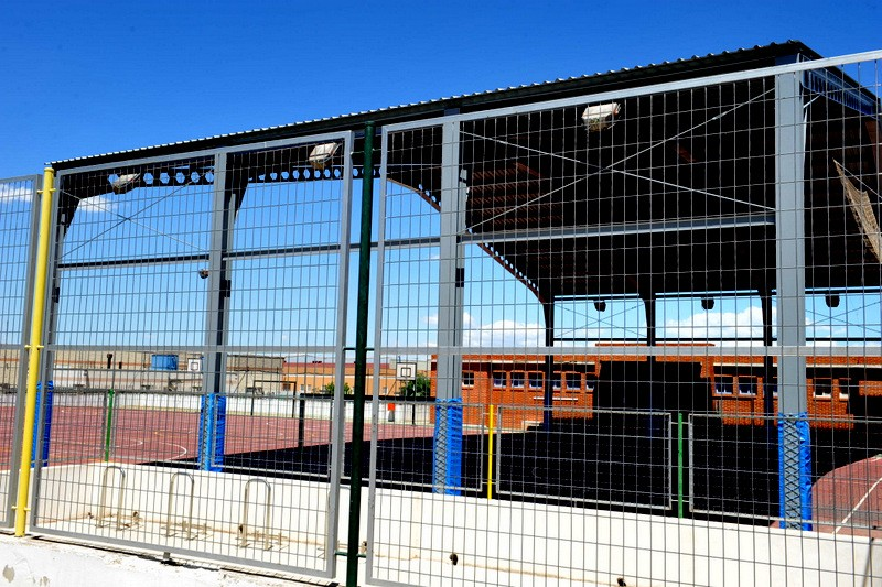 Sports facilities in Bullas: tennis and basketball courts