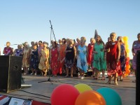 The Harlequin Rock Choir sing their hearts out on Camposol