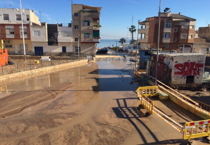<span style='color:#780948'>ARCHIVED</span> - 2000 Los Alcazares second homeowners may be ineligible for flood damage subsidies
