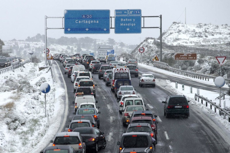 <span style='color:#780948'>ARCHIVED</span> - Road chaos as snow brings Murcia to a standstill
