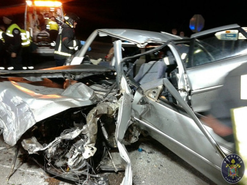 <span style='color:#780948'>ARCHIVED</span> - One dead in car crash between El Algar and La Union