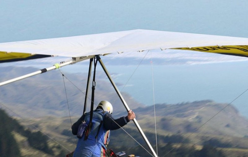 <span style='color:#780948'>ARCHIVED</span> - Swedish hang-glider crashes on lemon grove in Alhama de Murcia
