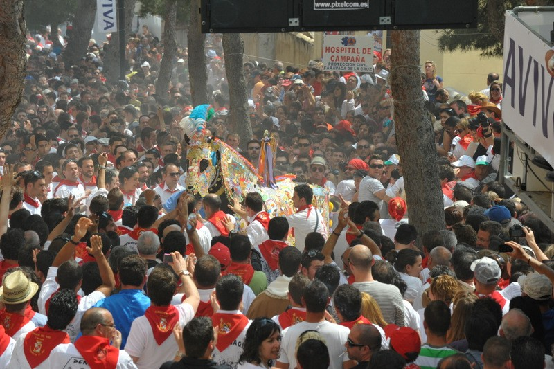 <span style='color:#780948'>ARCHIVED</span> - 2nd May Running of the Wine horses in Caravaca de la Cruz Los Caballos del Vino