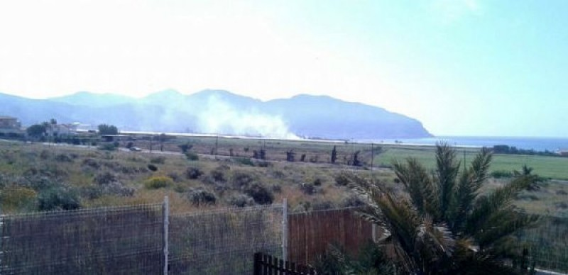 Isla Plana residents complain about stubble burning