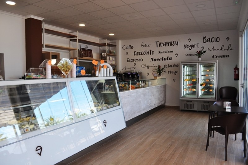 Authentic Italian Ice Cream and desserts at Gelatissimo in Puerto de Mazarrón