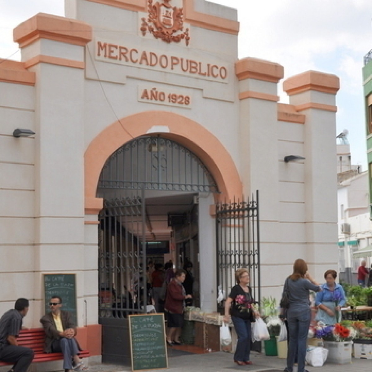 Alhama de Murcia marketplace and weekly market