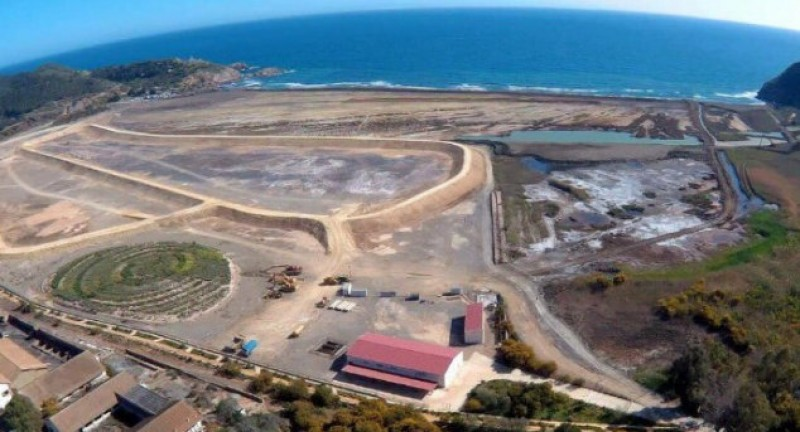<span style='color:#780948'>ARCHIVED</span> - Seawater visible in 30,000 square metres of Portman landfill