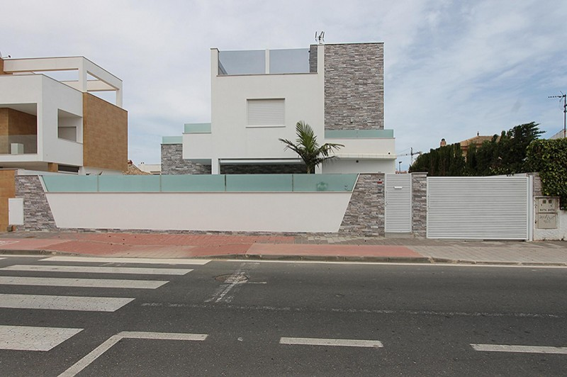 <span style=font-weight:300;font-family:lato;color:#0083c1;>€430000  </span>Villas for For Sale Mil Palmeras - <span style=color:#036;font-size:16px;font-family:roboto>Filbee's Real Estate</span>