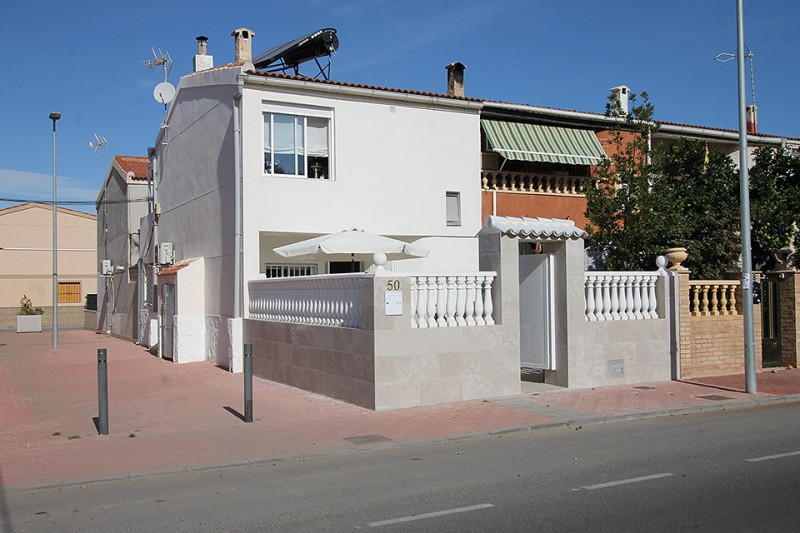 <span style=font-weight:300;font-family:lato;color:#0083c1;>€145000  </span>Town Houses for For Sale Torrevieja - <span style=color:#036;font-size:16px;font-family:roboto>Filbee's Real Estate</span>