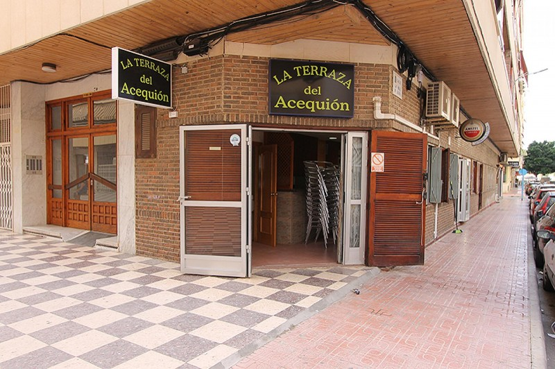 <span style=font-weight:300;font-family:lato;color:#0083c1;>€130000  </span>Cafe restaurant for For Sale Torrevieja - <span style=color:#036;font-size:16px;font-family:roboto>Filbee's Real Estate</span>