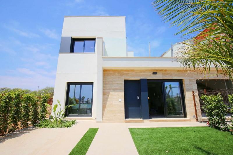 <span style=font-weight:300;font-family:lato;color:#0083c1;>€302900  </span>Villas for For Sale Torre de la Horadada - <span style=color:#036;font-size:16px;font-family:roboto>Micasamo Property for sale</span>