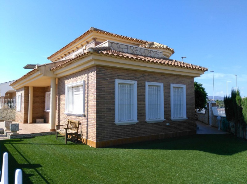 <span style=font-weight:300;font-family:lato;color:#0083c1;>€195000  </span>Villas for For Sale Murcia / Costa Calida - <span style=color:#036;font-size:16px;font-family:roboto>Micasamo Property for sale</span>